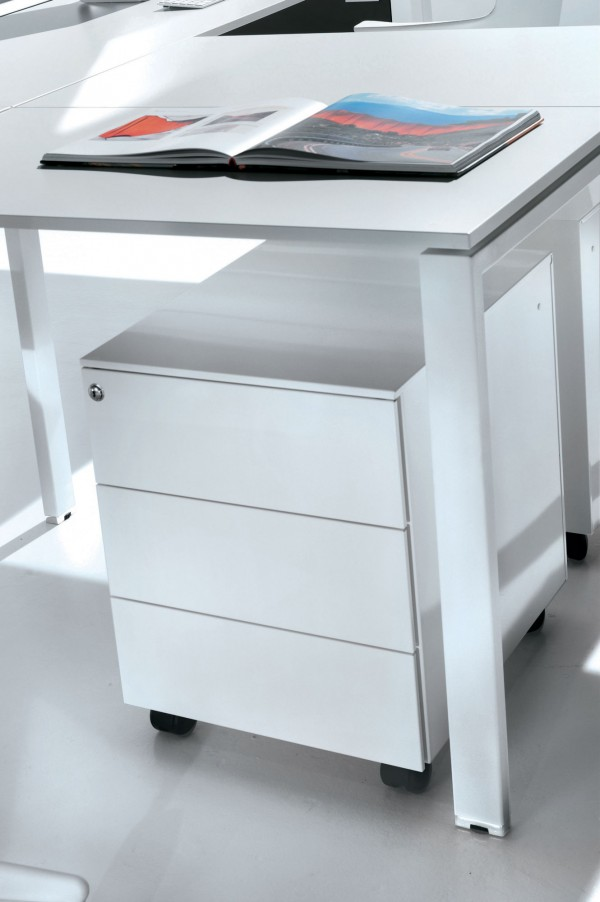 Drawer units on castors- Ultom Collection