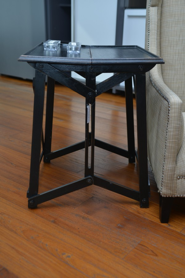 Folding coffee table - Outlet